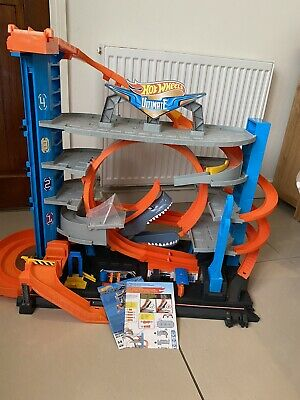 Hot Wheels FTB69 City Garage With Loops And Shark Toy Ultimate Garage • 40£