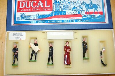Vintage Ducal White Metal Lead Fireman Set 2 • 34.99£