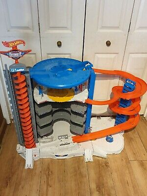 Hot Wheels Super Ultimate Garage • 55£