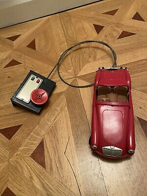 Victory Industries MGA Sports Car - Red 1960s Not Tested • 34.99£
