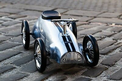 Ride On Vintage Toy Metal Car In Silver - 'B Grade' • 74.50£