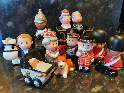 Happyland Large Royal Family Bundle - With TWO Queens! • 8.50£