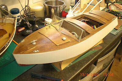RC Radio Remote Control Vintage Model Boat Co. Sea Breeze Complete With Stand. • 76£