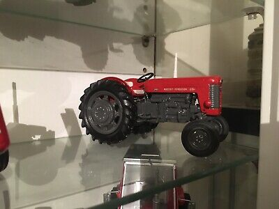 1/32 Scale Down 2wd Massey Ferguson 65 In Great Consition  • 25£