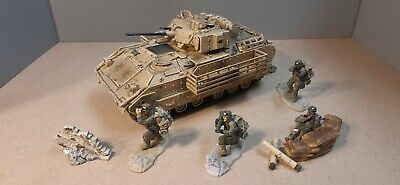 Forces Of Valour 1/32 US M3A2 Bradley With Troops ,Baghdad 2003 • 35£
