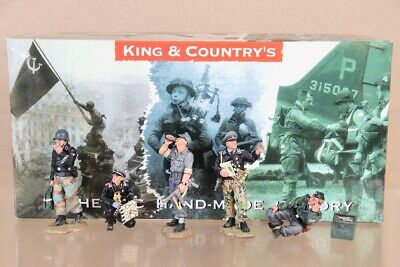 KING & COUNTRY WSS099 WWII GERMAN FORCES TANK CREW BOXED Nv • 199.50£