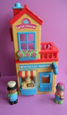 Happyland Mr Bun Bakery And Tea Rooms With Two Figures Working Sounds • 12£
