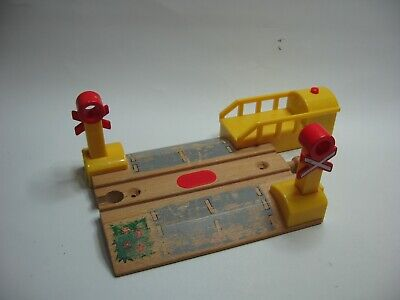 BRIO LEVEL CROSSING With Sound  For Wooden Train Track Set ( Thomas ) ** M3 • 11.99£