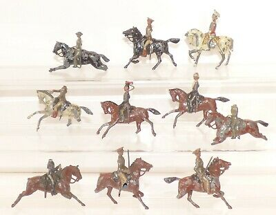 SB08 - Britains Military Lead Soldiers. Mounted • 12.99£
