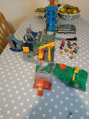 Micro Machines Stunt City Lorry/Fold Out Playset - Hasbro 2001 With Cars • 12.50£