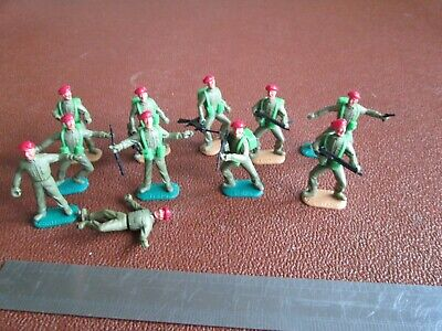 11 Timpo Red Beret Soldiers. Paratroopers. Army Figures. • 4.99£