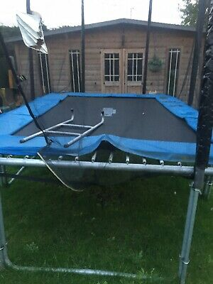 Trampoline Rectangler With Enclosure & Ladders • 80£