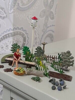 Vintage Britains Lead And Others Garden Items. . Combined Postage Offered.  • 9.50£