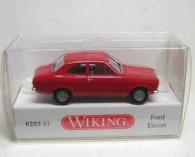 Ford Escort (Red) • 8.58£