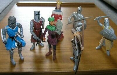 8 Medieval 85mm Plastic Figures Queen Knights Etc, Unknown Compound And Date • 12£