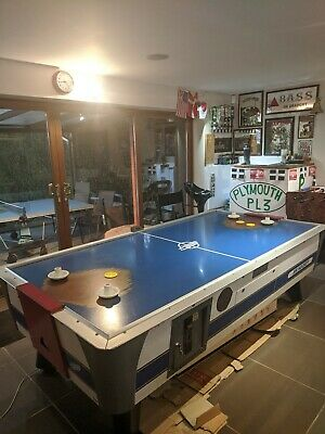 Air Hockey Table • 315£