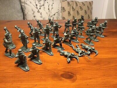 Vintage 1970s Airfix Soldiers 1:32 Scale WWII German Infantry • 4£