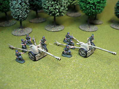 Hat WW2 German Pak40 And Crew, 1:72 Nicely Painted 2 Guns, 8 Crew. 20mm • 8.50£