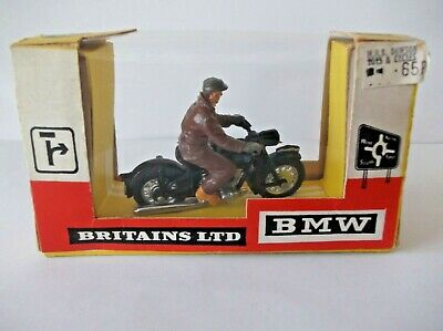 BRITAINS BMW MOTORCYCLE & RIDER . Cat-no 9688 / BOXED • 69.99£