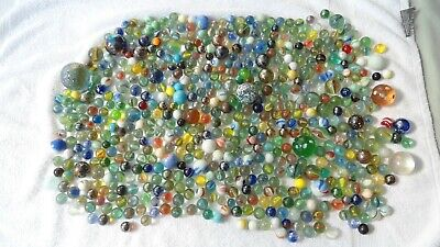 APPROX 4Kg OF VINTAGE GLASS MARBLES VARIOUS SIZES • 10£