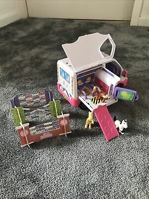 I Love Ponies Horse Vet Truck With Horse Jumps And Three Horses • 0.99£