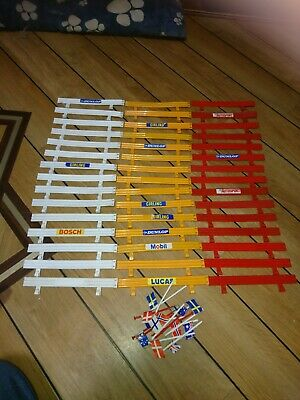Scalextric Crash Barriers & Flags  • 10£