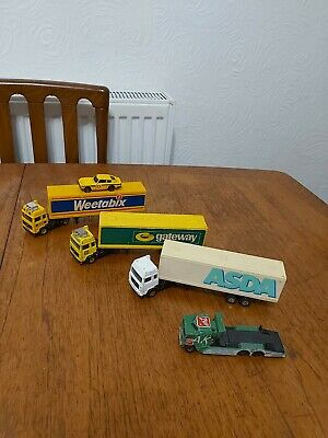Toy Cars • 4£