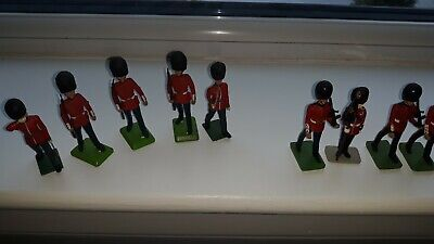 9 Model Soldiers Good Condition Britains • 2.70£