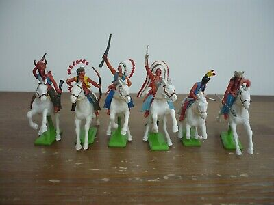 Britains Deetail Full Set 6 Mounted Indians White Horses Toy Soldiers  • 45£
