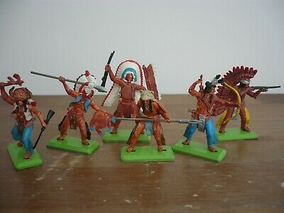 Britains Deetail Set 6 Indians On Foot Toy Soldiers     • 18£