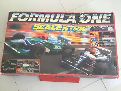 Vintage Formula One Scalextric With Benetton And Renault Cars. Hamleys • 35£