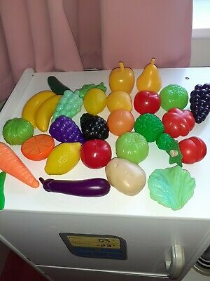 Bundle Of Assorted Play Food Vegetables And Fruit • 3£