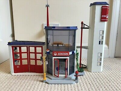 Playmobil Fire Station 4819 • 25£