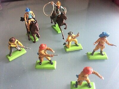 Vintage Britains Deetail Cowboys, 2 Horseback, 5 Foot • 5£