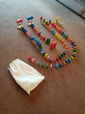 Wooden Domino Rally • 7.40£