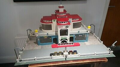 Vintage Building For Scalextric • 79.99£