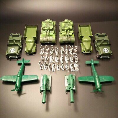 Toy Army Platoon - 25 Grey Soldiers, Tanks, Jeeps, Aircraft And Artillery • 10.99£