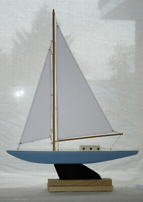 Bowman Pond Yacht With Cabin  (124) • 55£