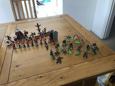 43 Pieces Britains 1970's Toy Soldiers Indians Guards Army Etc • 10£