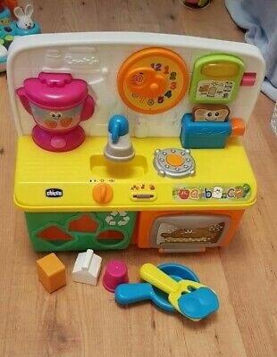 Chicco Talking Kitchen With All Accessories. Excellent Condition. • 15£