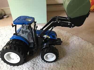 Tractor Toy And Bales • 6.50£