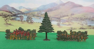 Crescent Lead Farm - FIR TREE And HEDGES • 9.99£