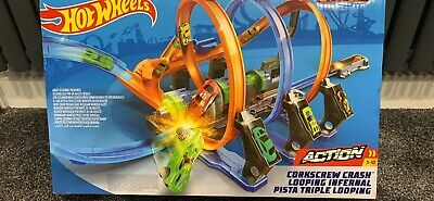 Hot Wheels Corkscrew Crash Track Set • 30£