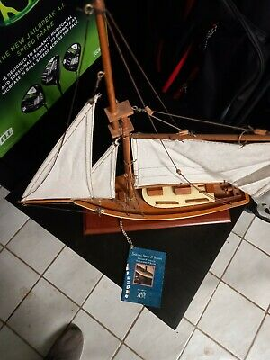 Authentic Model Ships And Boats • 75£